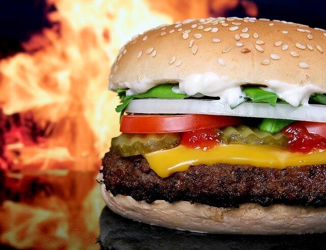 Peut-on manger des fast food dans un reequilibrage alimentaire ?